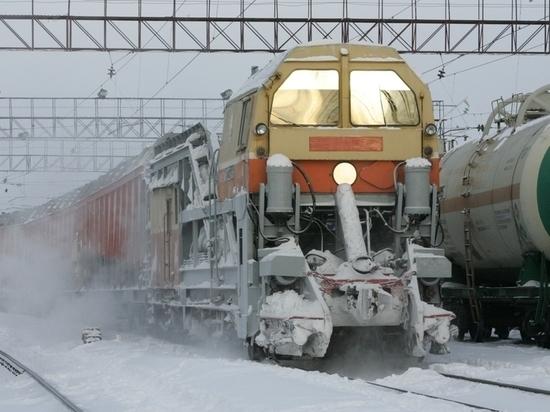 В феврале со Свердловской магистрали вывезено 186 тысяч тонн снега
