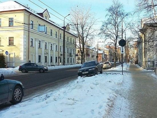 Запретили: с завтрашнего дня на 7 улицах Петрозаводска нельзя парковаться