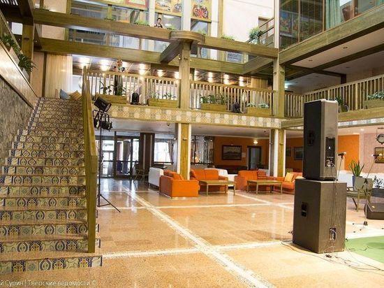 Провести праздничные выходные приглашает гостиничный комплекс