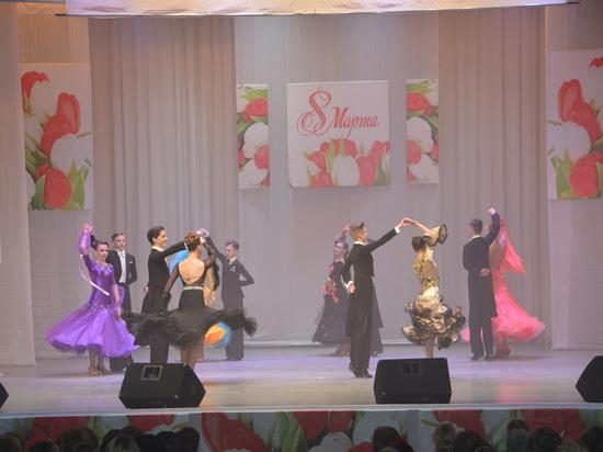 В Твери ДК «Химволокно» организовал концерт к 8 марта