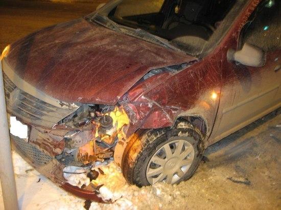 В центре Тамбова дорогу не поделили две иномарки: есть пострадавший