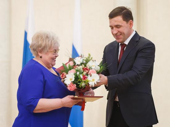 Накануне 8-го марта Куйвашев отметил свердловчанок за профессионализм и активную позицию