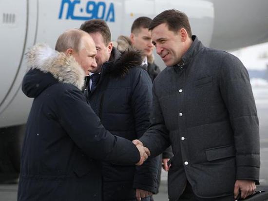 Президент России пообщался с рабочими в Нижнем Тагиле и чиновниками в Екатеринбурге