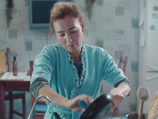 Шнур взорвал Сеть новым клипом про русскую Чудо-женщину