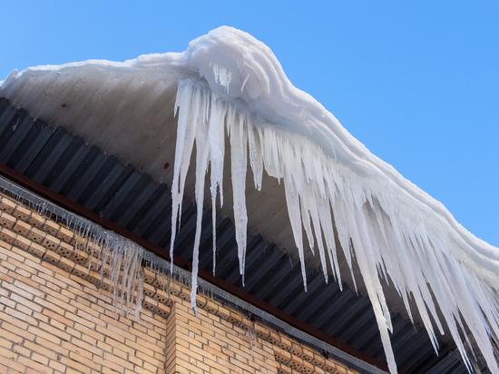 В Оренбурге УКЖФ «Южная» заплатит за упавший на пенсионера снег с крыши