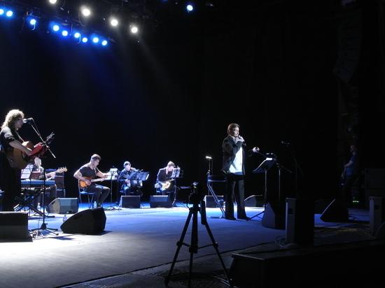Юбилейный спектакль «Дороги Высоцкого» прошел в нижегородском ТЮЗе