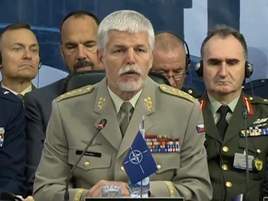 Генерал НАТО объяснил опасность передачи Россией Турции комплексов С-400