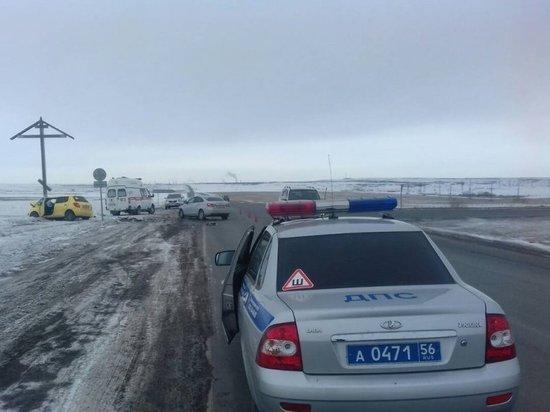 На выезде из Новотроицка серьезно пострадали «Lada Vesta» и «Skoda Fabia»