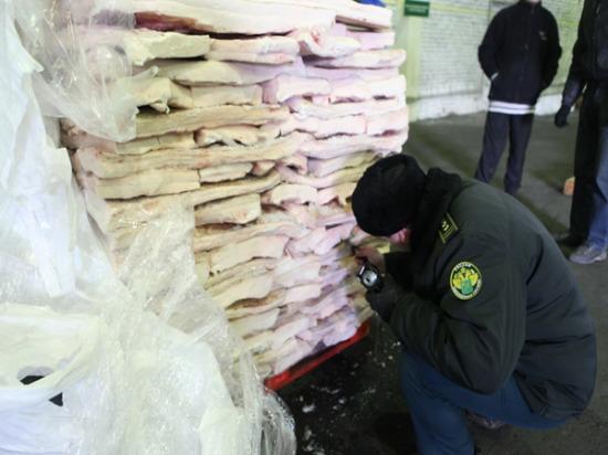 В Самарскую область пытались ввезти свиной шпик под видом марли и ваты