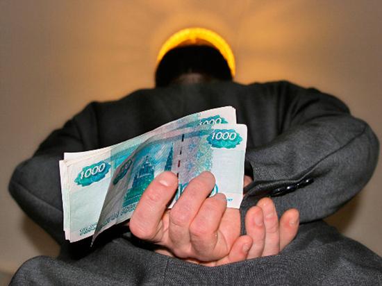 В Оренбурге незаконный мигрант похитил 115000 рублей
