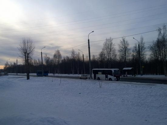 Пьяный водитель протаранил два пассажирских автобуса в Архангельске