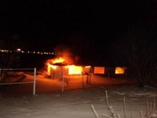В Казани сгорела летняя беседка ресторана «Круиз»