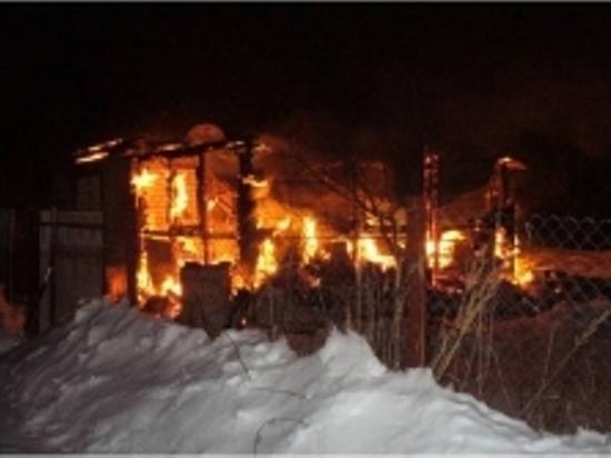 77-летний мужчина получил ожоги на пожаре в Тверской области