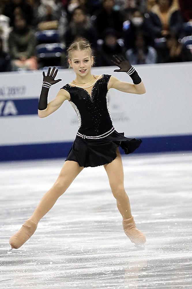 13-летняя рекордсменка: фигуристка Александра Трусова затмила Загитову и Медведеву