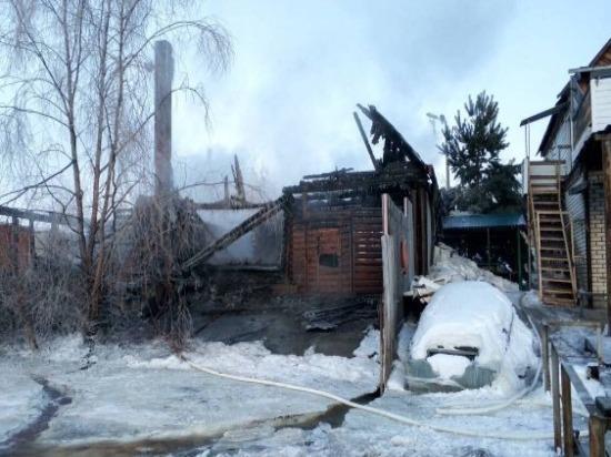 В Сызрани 36 пожарных тушили двухэтажный коттедж