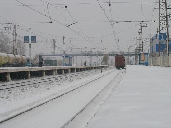 Пассажирский поезд сбил мужчину на станции под Калугой