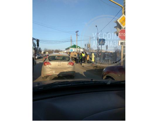 В Астрахани в ДТП перевернулась маршрутка