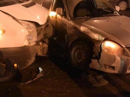 В Чебоксарах водитель маршрутки совершил ДТП с пострадавшей