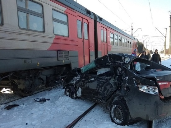 Электропоезд Заволжье – Нижний Новгород протаранил «Kia Rio»