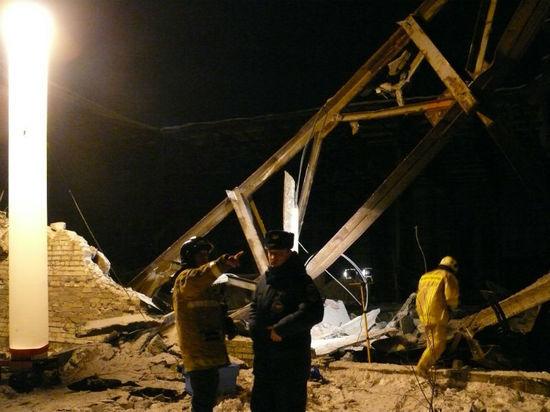 На окраине Архангельска под обрушившейся стеной погиб человек