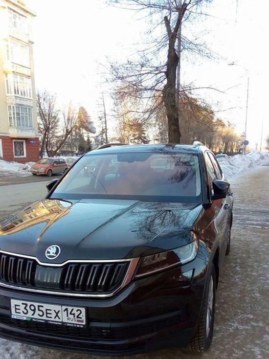 Кемеровчане возмущены поведением водителя Skoda