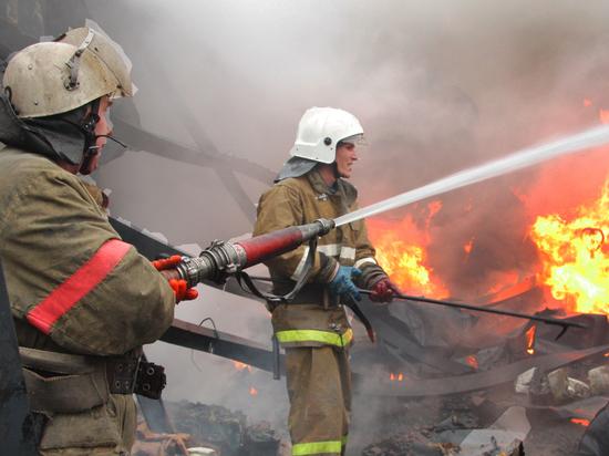 Две машины сгорели вчера в Красноборске