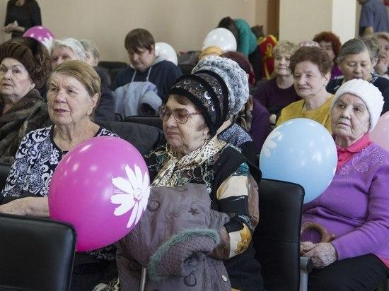 В Калининском районе отпраздновали 23 Февраля и 8 Марта