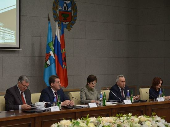 Депутаты приняли отчет Сергея Дугина о работе горадминистрации в 2017 году