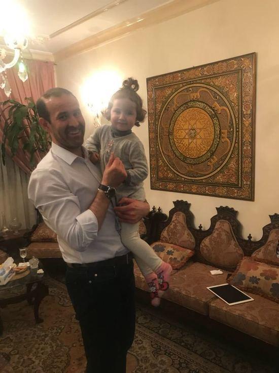 Суд вернул матери похищенную в Вене отцом-ливанцем девочку