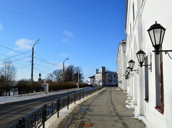 В Архангельске придумали разгрузить Троицкий проспект, пустив транспорт по набережной