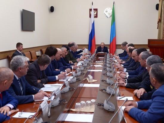 Владимир Путин провел совещание по вопросам социально-экономического развития Дагестана