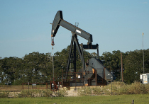 Рубль не выдержит напора: США догоняет Россию по добыче нефти