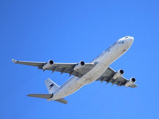Золото, выпавшее из самолета, заставило вспомнить о похожих потерях