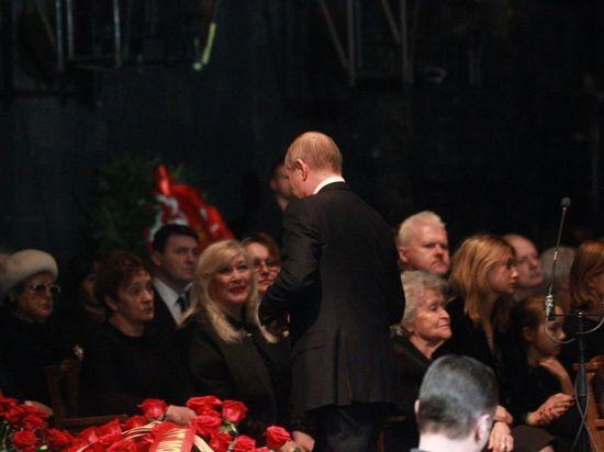 Путин заплакал на прощании с Олегом Табаковым