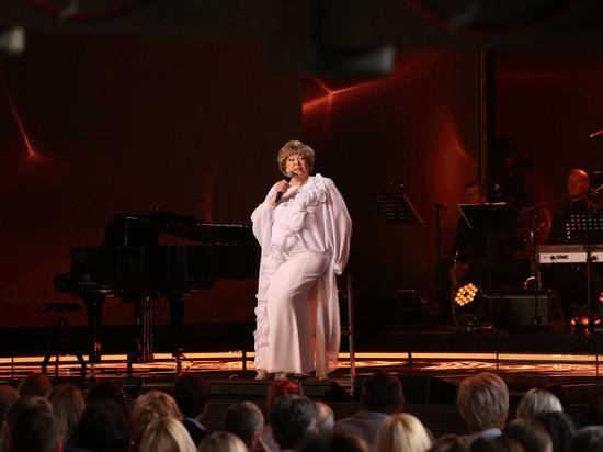Эдита Пьеха трижды споёт на юбилее Александра Морозова