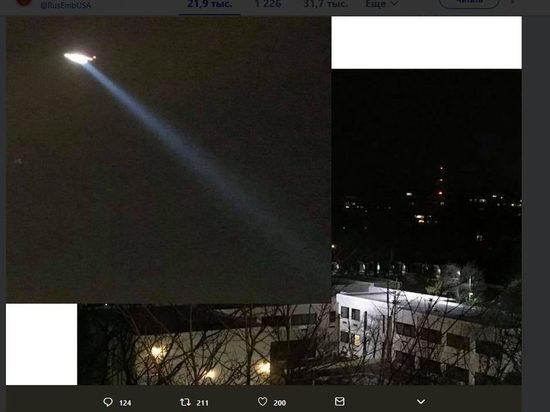 В США объяснили появление вертолета над посольством России