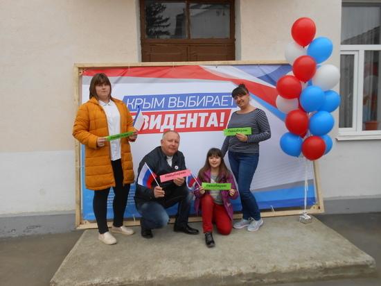 Выборы в Крыму: первым делом выбираем президента, ну а булочки – потом