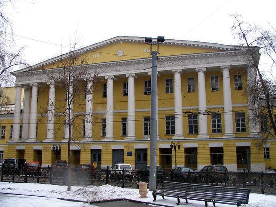 Московские депутаты предложили наказывать за содействие в незаконной миграции