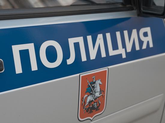 Пьяный мужчина ворвался с топором в московскую школу