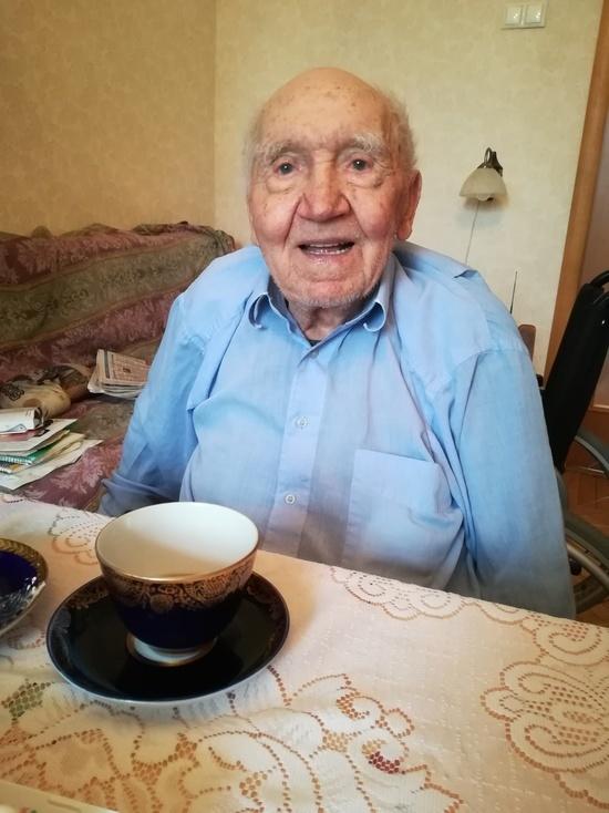Самый старый голос — за Грудинина  как 102-летний москвич на выборы ходил 036b0063205
