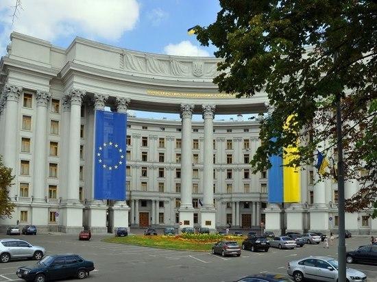 Киев без обсуждения разорвал экономические связи с Москвой