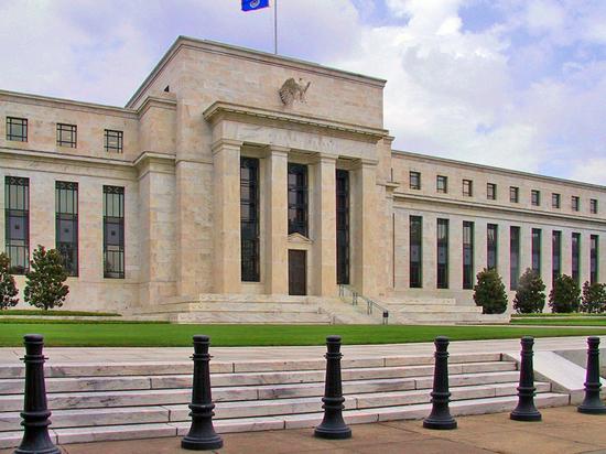 ФРС повысила резервную ставку: рубль отреагировал неожиданно