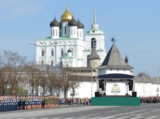Псковскую Ганзу чуть не подменили программой по благоустройству города, но глава города дал старт медийным работам и поднял глобальный пласт