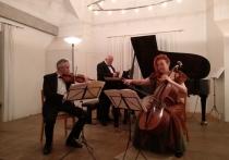 Так получилось, что Антона Лубченко (а ему скоро исполнится 33) я впервые увидел недавно перед мировой премьерой его «Русского трио» в концертном зале Вартег швейцарского кантона Санкт-Галлен