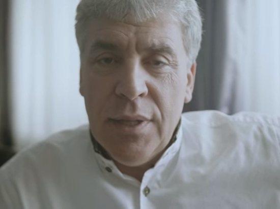 Грудинин сбрил усы после спора с Дудем: видео