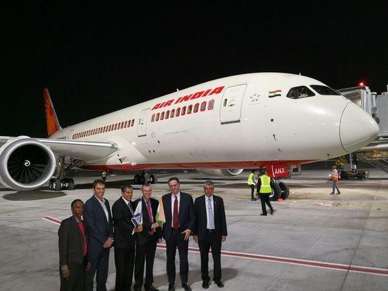 Министр Исраэль Кац о прибытии исторического рейсаAirIndiaв аэропорт Бен Гурион