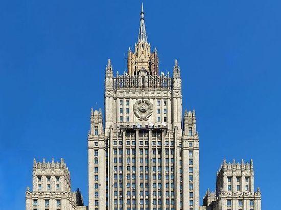 Москва отреагирует на высылку десятков дипломатов из Европы и США