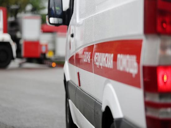В Москве глыба льда упала на беременную женщину