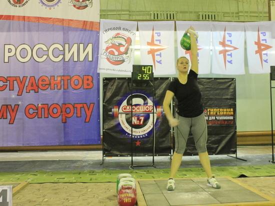 Студентка СурГПУ Анастасия Щелкунова стала второй самой сильной девушкой России