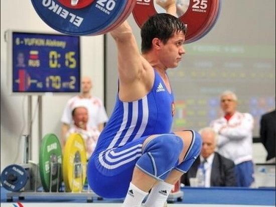 Тяжелоатлет из Мордовии поднялся на пьедестал почета Кубка России